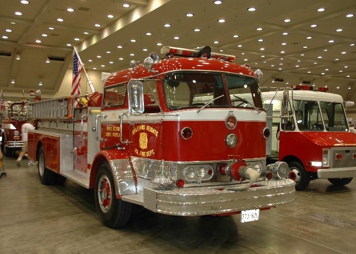 Mack C Model Trucks : Chesapeake antique fire apparatus association